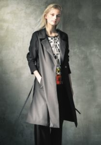 「アルチザン」春のブラック・コート